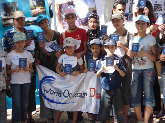 You can organise events and information sessions at your workplace, at your school, or within your neighbourhood to raise awareness on the role the Ocean plays in our daily life . You can celebrate the World Ocean Day on 8th of June !